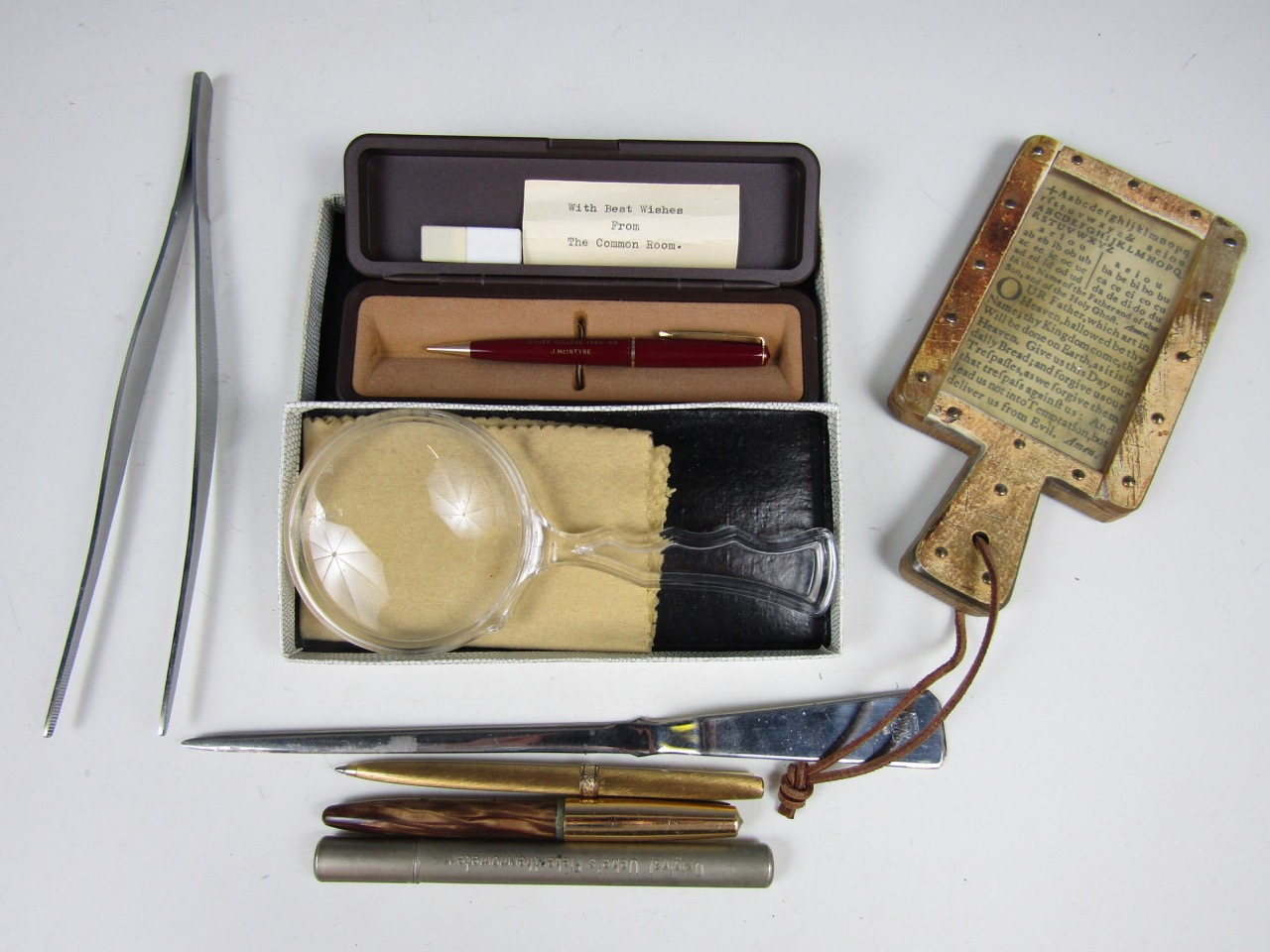 Lot 13 - Sundry collectors' items including a Parker pencil, a letter opener, a magnifying lens and a novelty