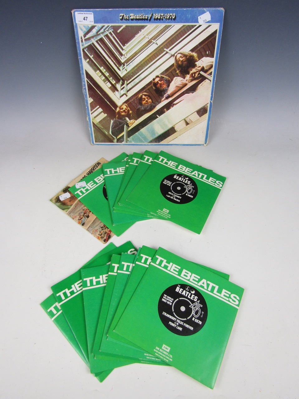 Lot 47 - The Beatles, vinyl records including 18 singles from the series The Singles Collection 1962-1970