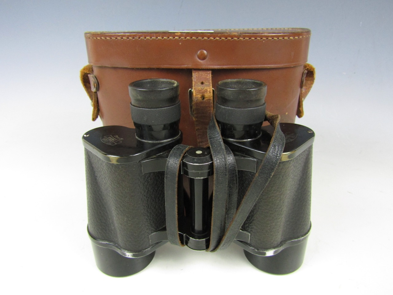 Lot 18 - A cased pair of Carl Zeiss 12 x 40 binoculars