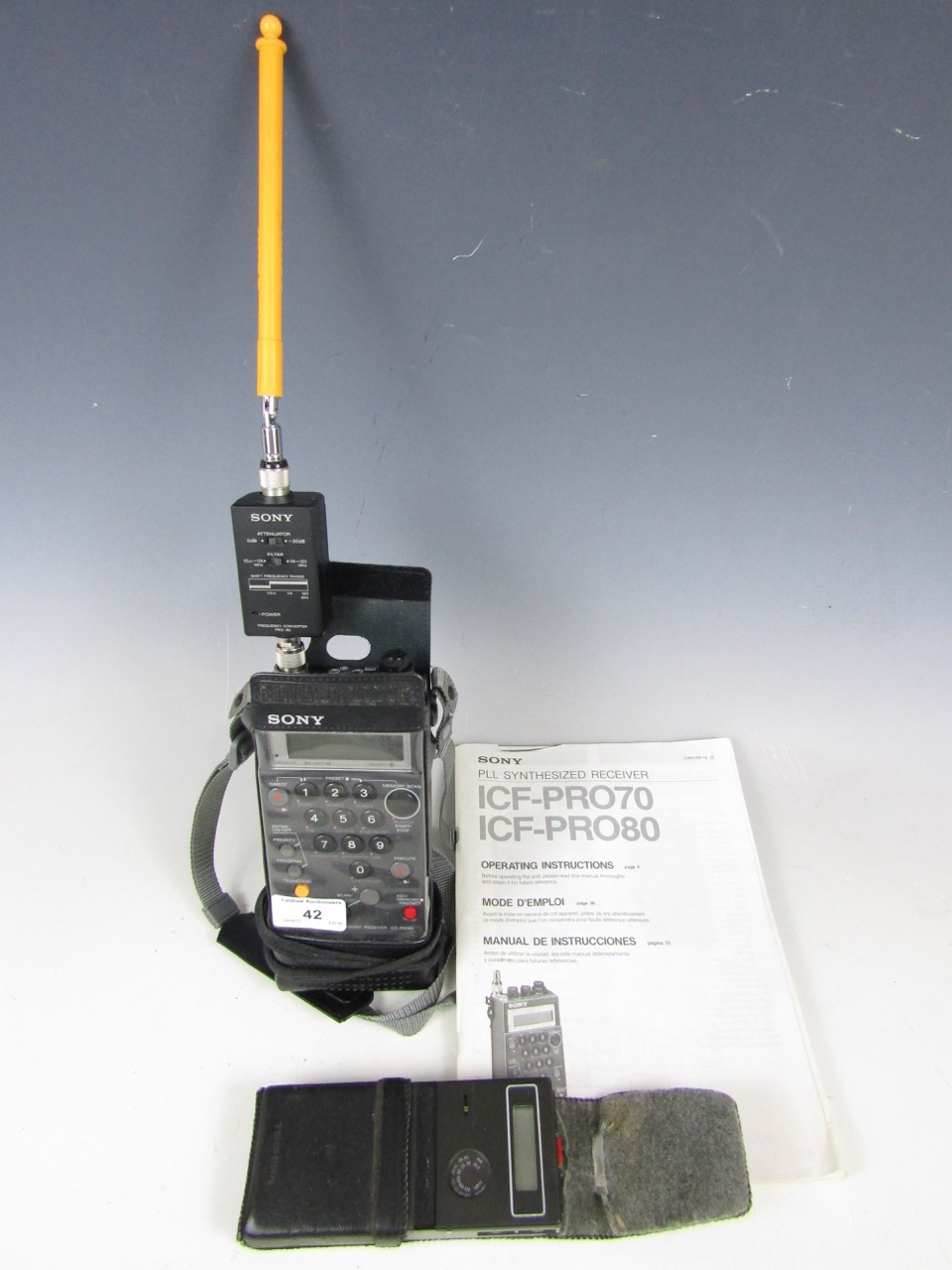 Lot 42 - A Sony ICF-Pro PLL synthesized radio receiver and a Toshiba QR-2000 clock radio