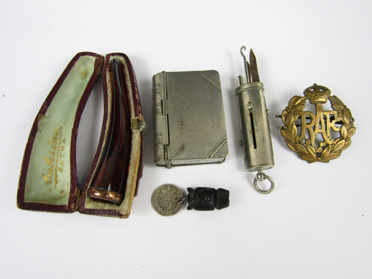 Lot 46 - Sundry collectors' items including an RAF cap badge, Vesta case, fob chatelaine necessaire, and
