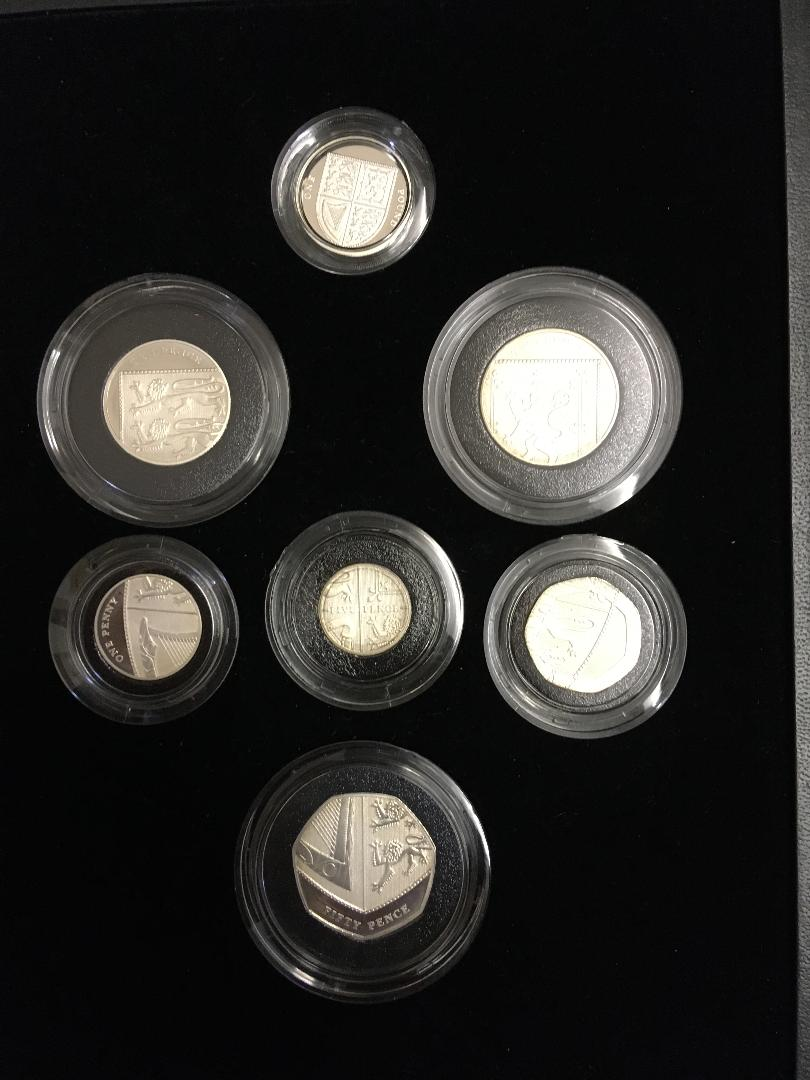 Lot 112 - COINS : 2008 Royal Shield of Arms Silver