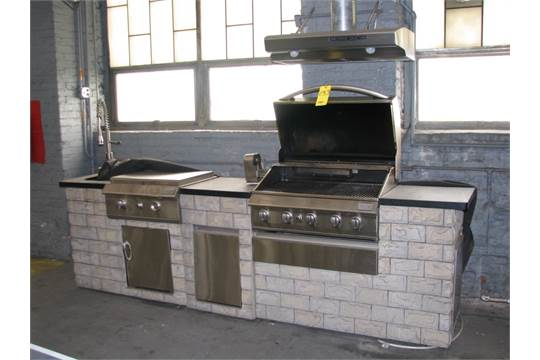 Grand Cafe Outdoor Kitchen Gas Grill with Rotisserie Flat Top