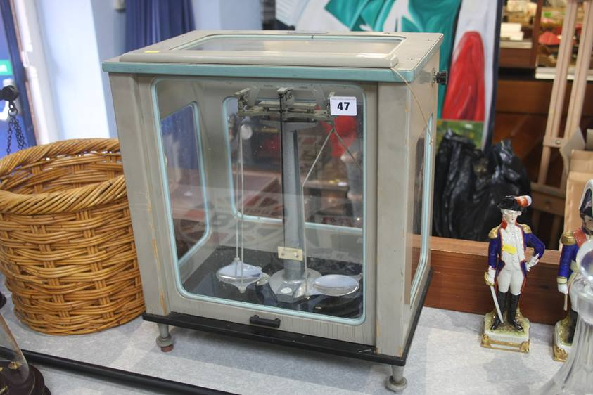 Lot 47 - A set of chemists scales