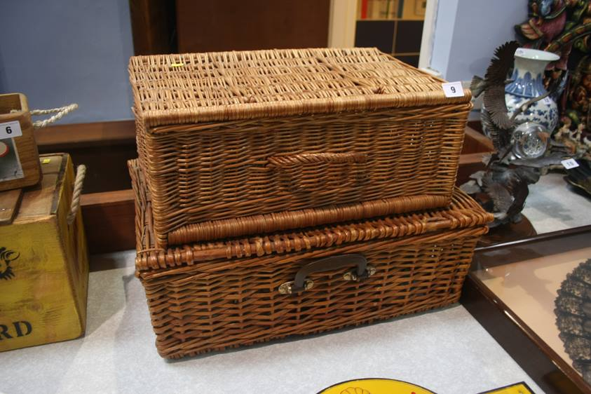 Lot 9 - A Picnic hamper and one other
