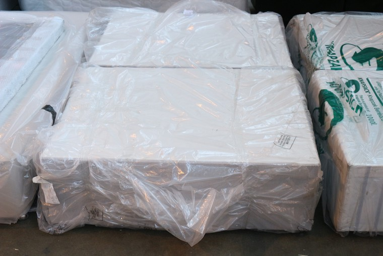 1 X 120x190cm 3 Quarter Divan Bed Base 2239497 Rrp 275