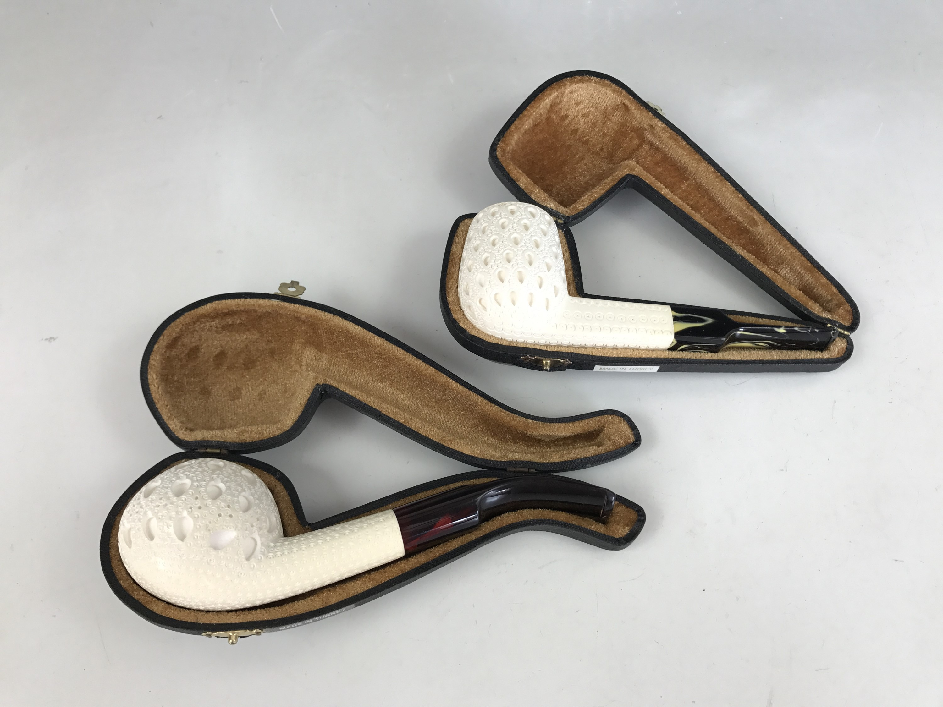 Lot 33 - Two cased meerschaum pipes