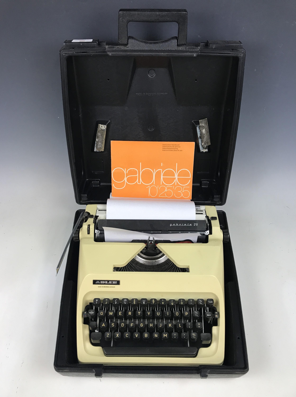 Lot 60 - An Adler Gabrielle 25 portable typewriter