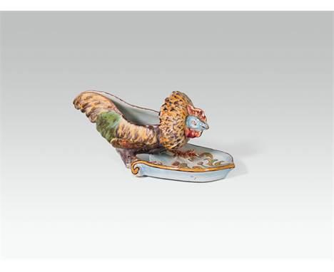 """Emile Gallé Schale """"Gockel"""", Nancy, um 1886 Keramik, hellbrauner Scherben, farbig staffiert und glasiert; manganviolette Unt"""
