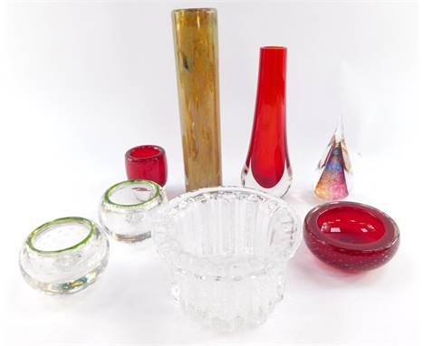 A Mtarfa cyclindrical glass vase, 24.5cm high., Holmegaard fluted glass bowl, and further contemporary glass. (8)