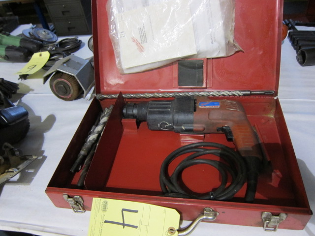 Lot 4 - ROTARY HAMMER, MILWAUKEE