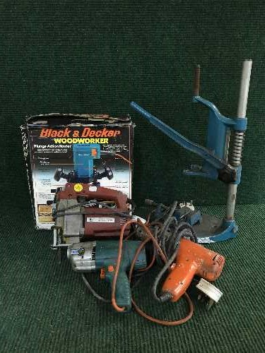 Lot 9 - Two bundles of power tools, sash clamps,