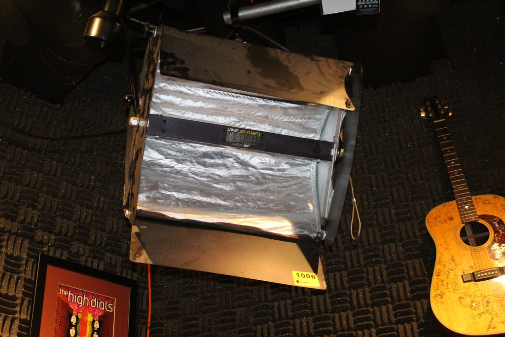 LOWELL MODEL SOFTLIGHT2 With Shell