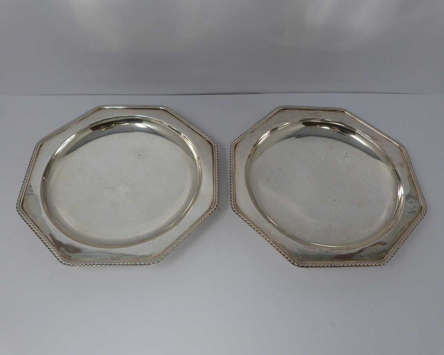 A silver plated cake stand, handled basket and two tankards, basket stamped EPNS, 13694, flower form - Image 7 of 12