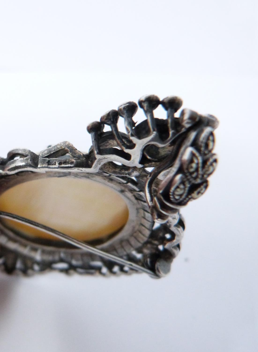 A silver mother of pearl cameo brooch/pendant with Marcasite stones with four other vintage - Image 6 of 6