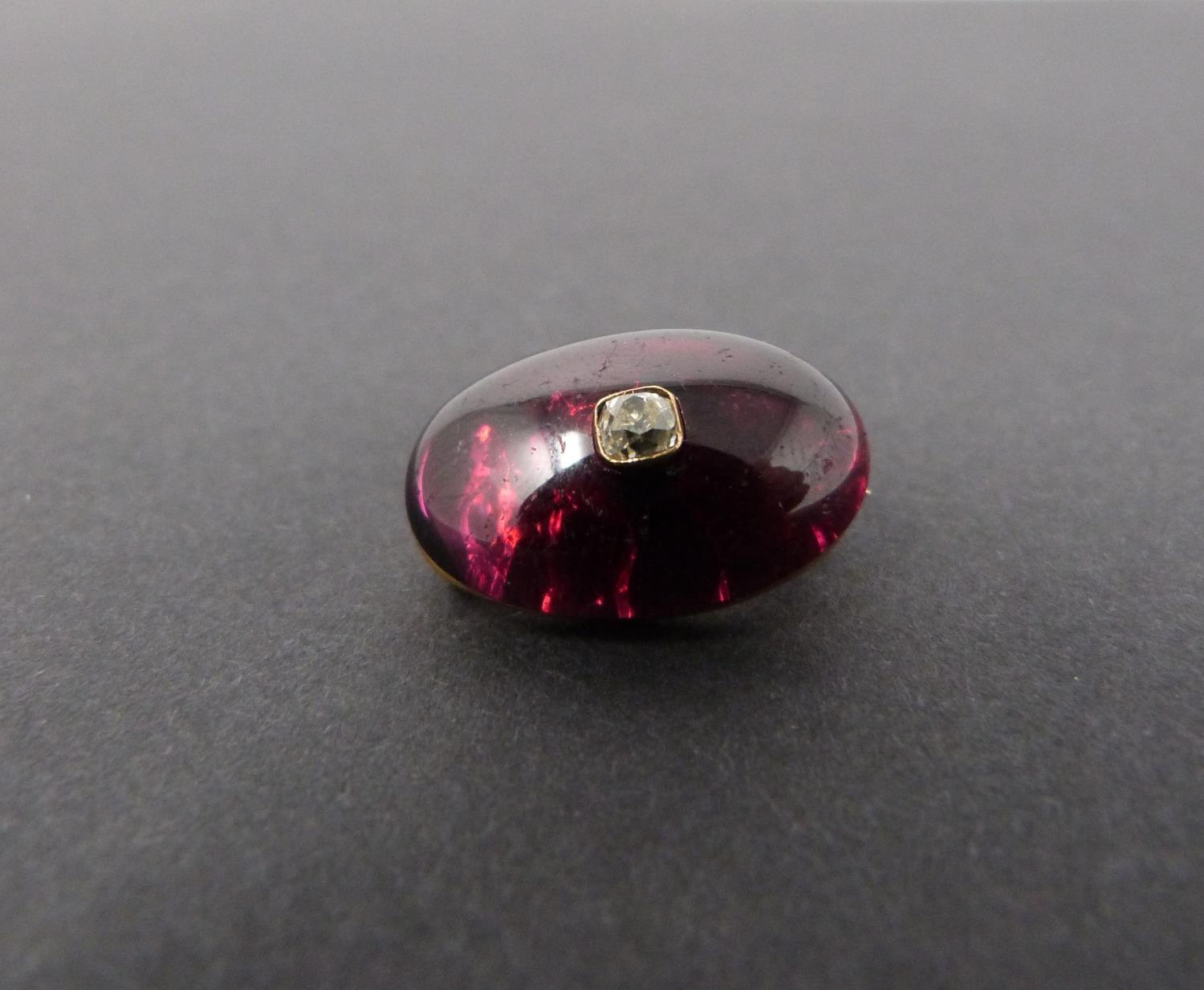 A Georgian/Victorian yellow metal oval garnet brooch inset with diamond, hollow foil backed cabochon - Image 6 of 6