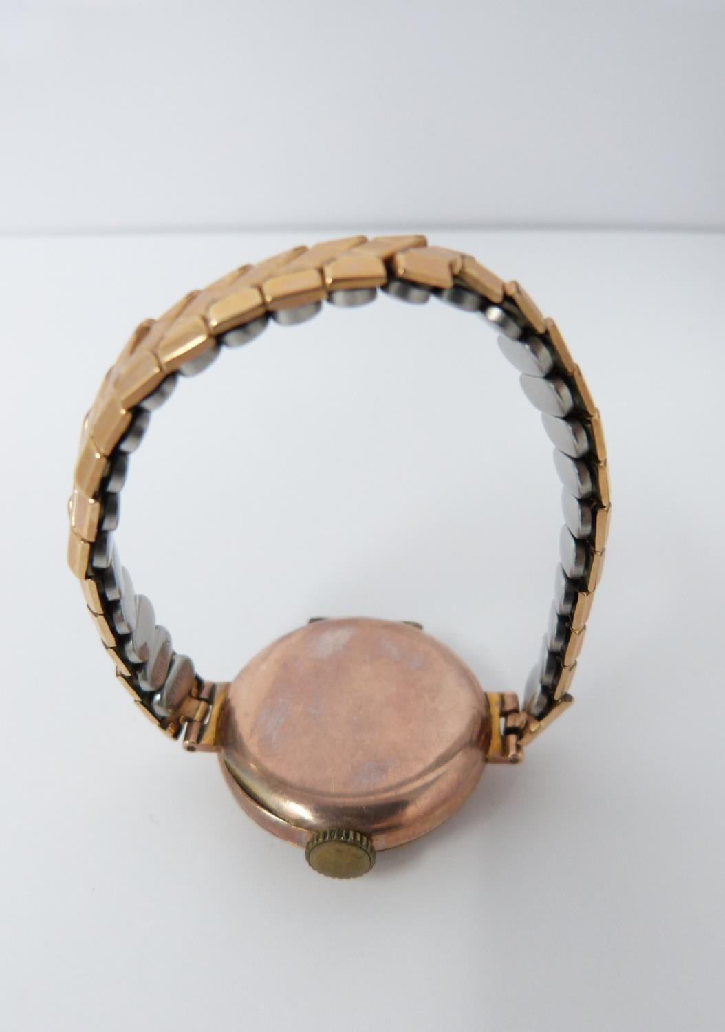 A 9ct rose gold cased watch with stretch gold filled strap, case has full hallmarks for - Image 4 of 10