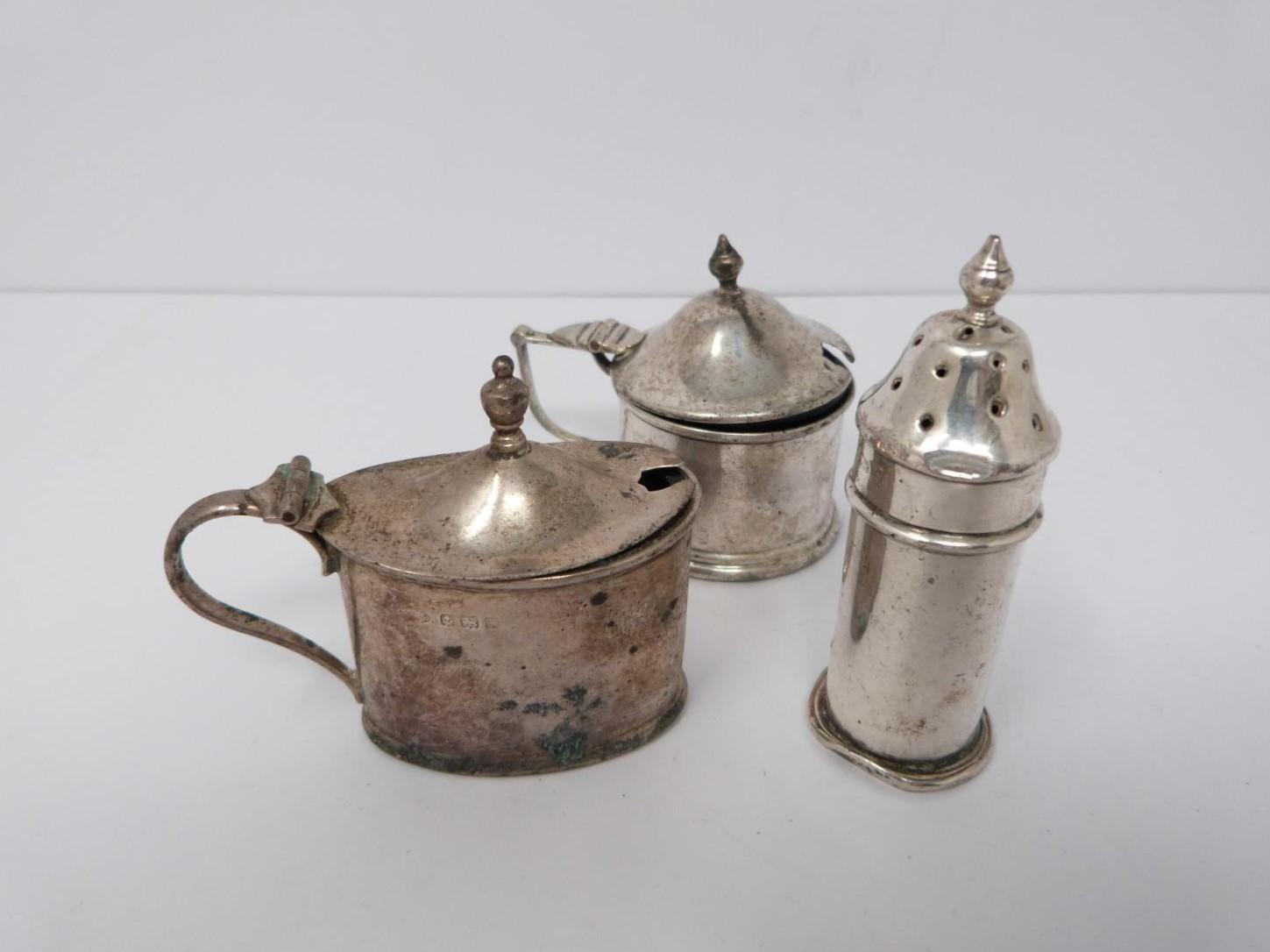A collection of silver cruets and two silver napkin rings, Elkington and Co, Birmingham, - Image 8 of 11