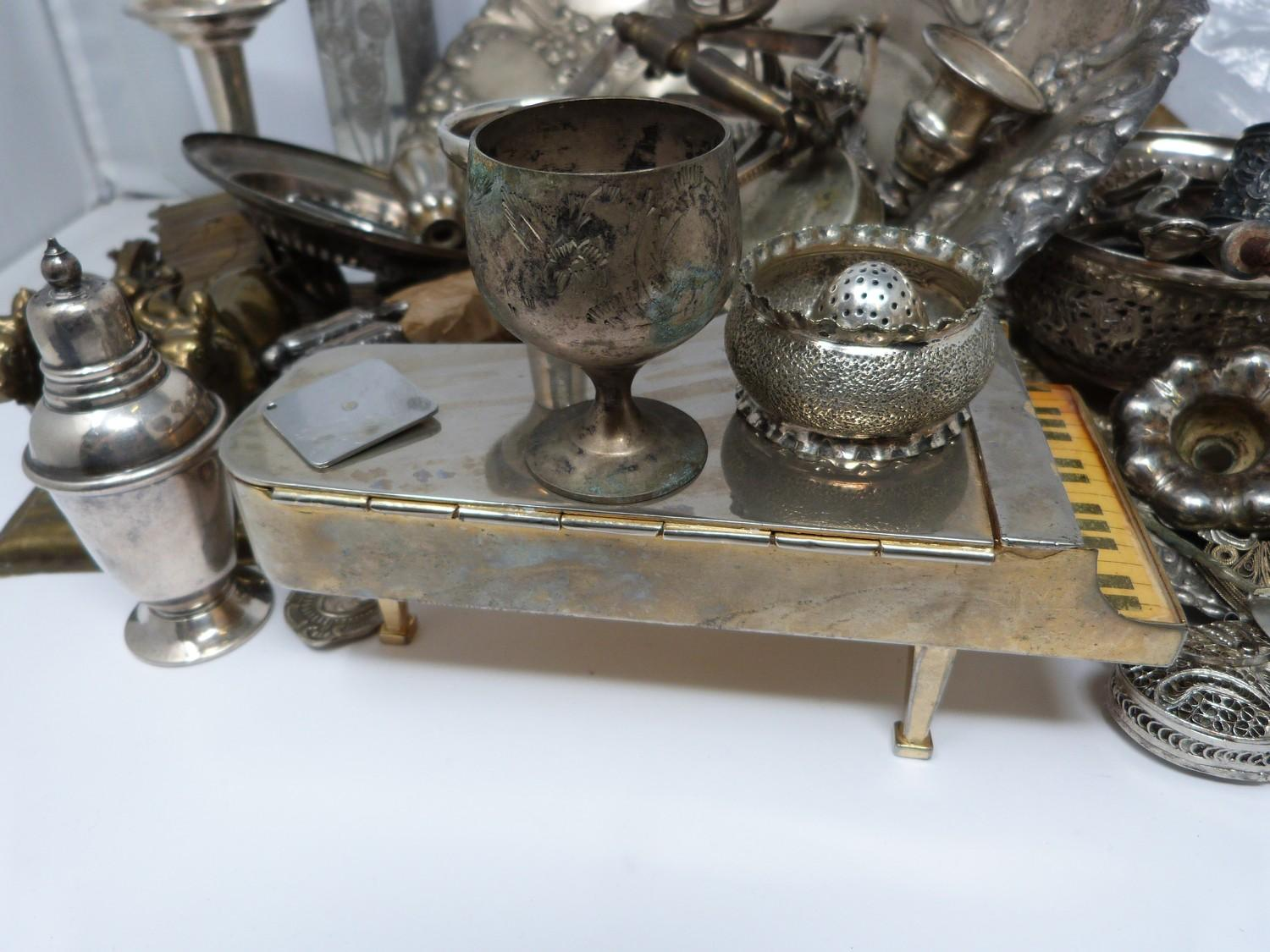 A collection of silver plate and other metalware including, trays, apostle spoons, bowls and cutlery - Image 4 of 5