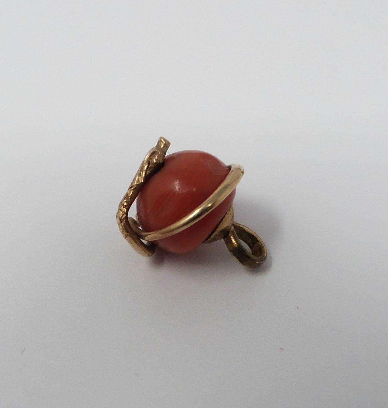 A collection of gold plated and yellow metal jewellery including enamel plaques, coral snake - Image 6 of 11