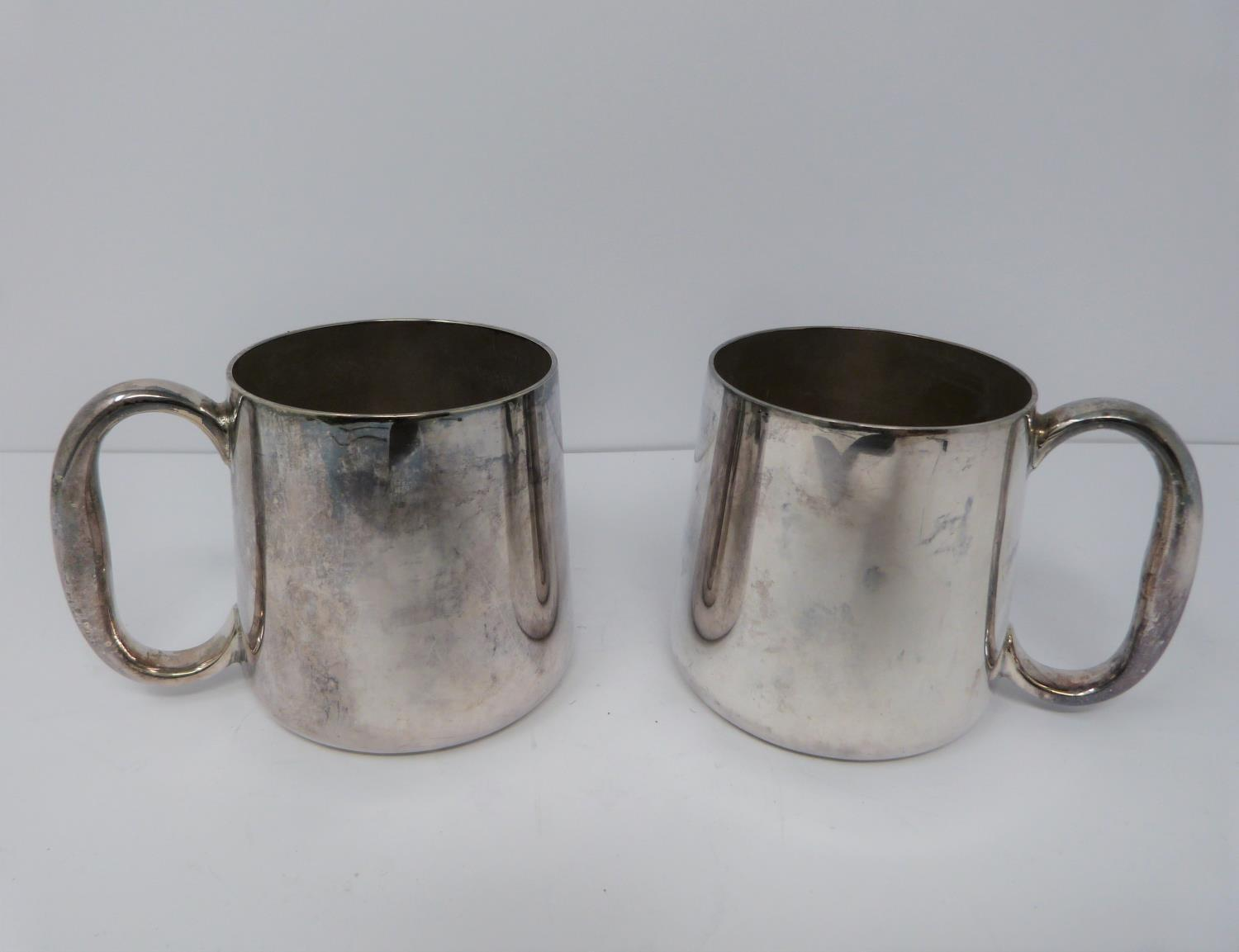 A silver plated cake stand, handled basket and two tankards, basket stamped EPNS, 13694, flower form - Image 11 of 12