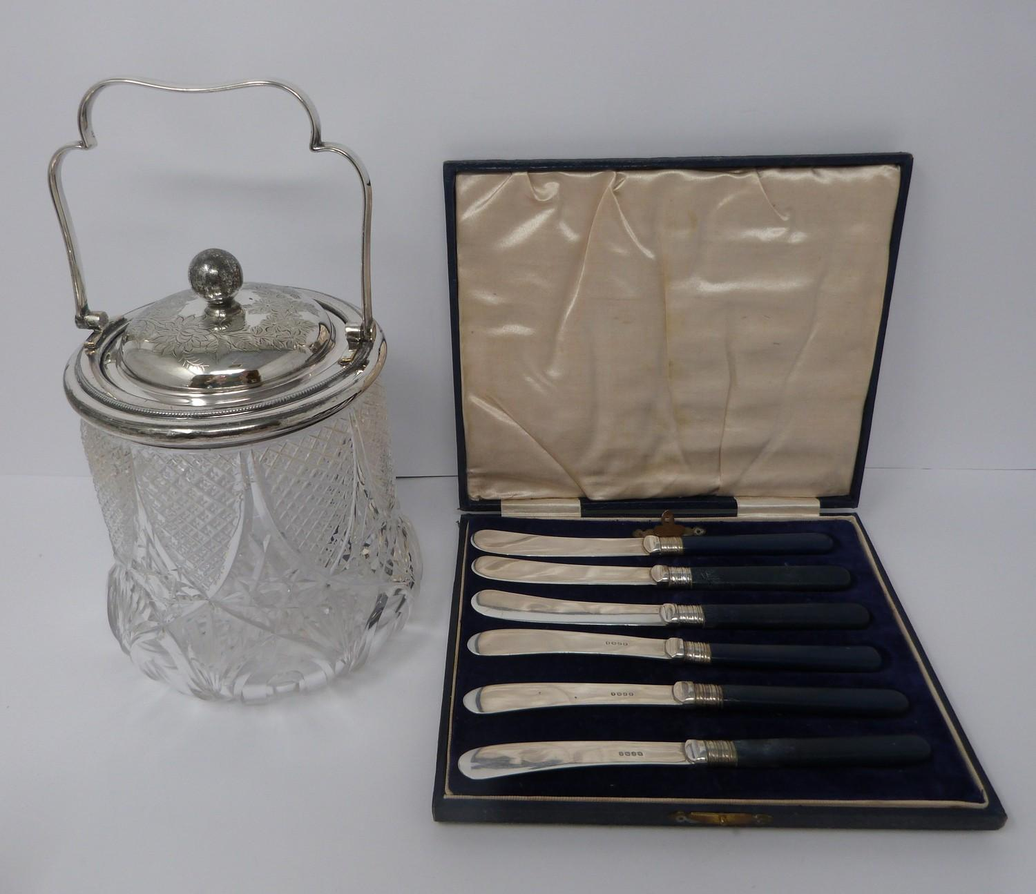 Collection of silver plate including, cruet, cut glass buiscuit barrel, cased butter and cut glass - Image 5 of 7