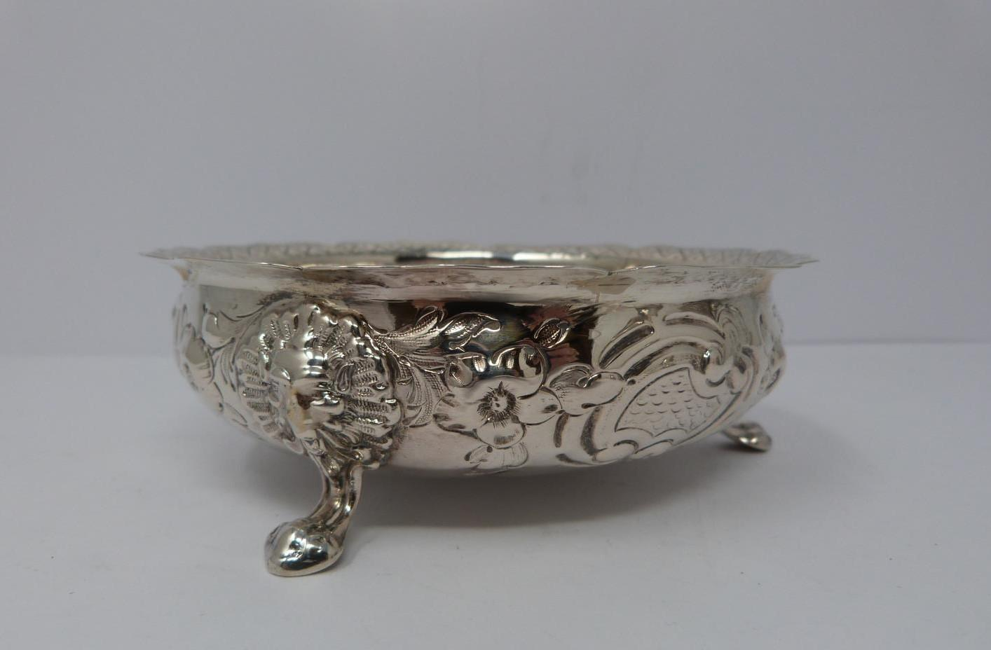 Two silver jugs, sugar and repousse work bowl. Bowl on three lions feet, 1857, London, Henry - Image 6 of 9