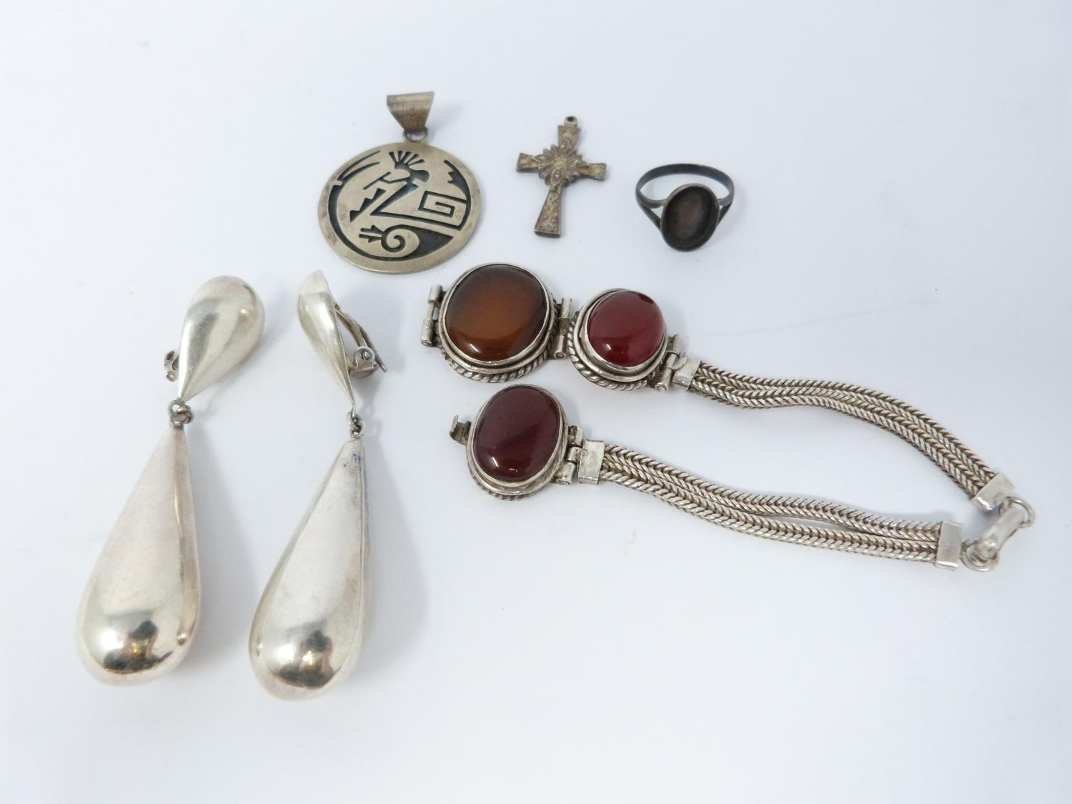 A mixed lot of silver and gold jewellery and a white metal spoon. (234g). - Image 10 of 12