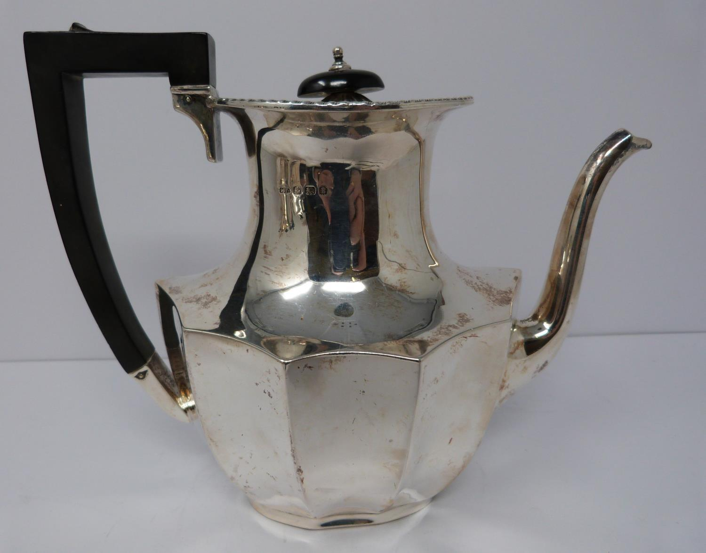 A 3 piece silver service; coffee pot, water jug and large tea pot, coffee pots William Devenport, - Image 3 of 11