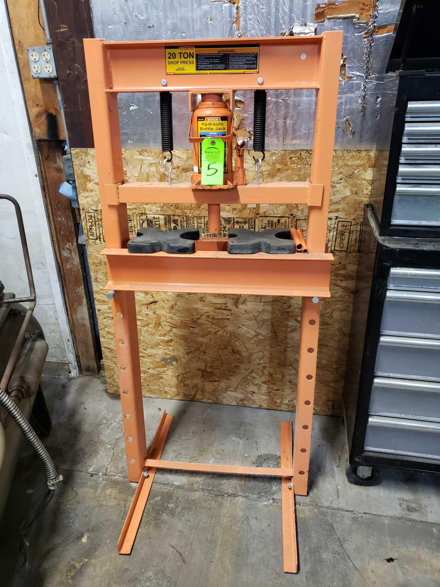 Lot 5 - Central Hydraulics 20 ton shop press