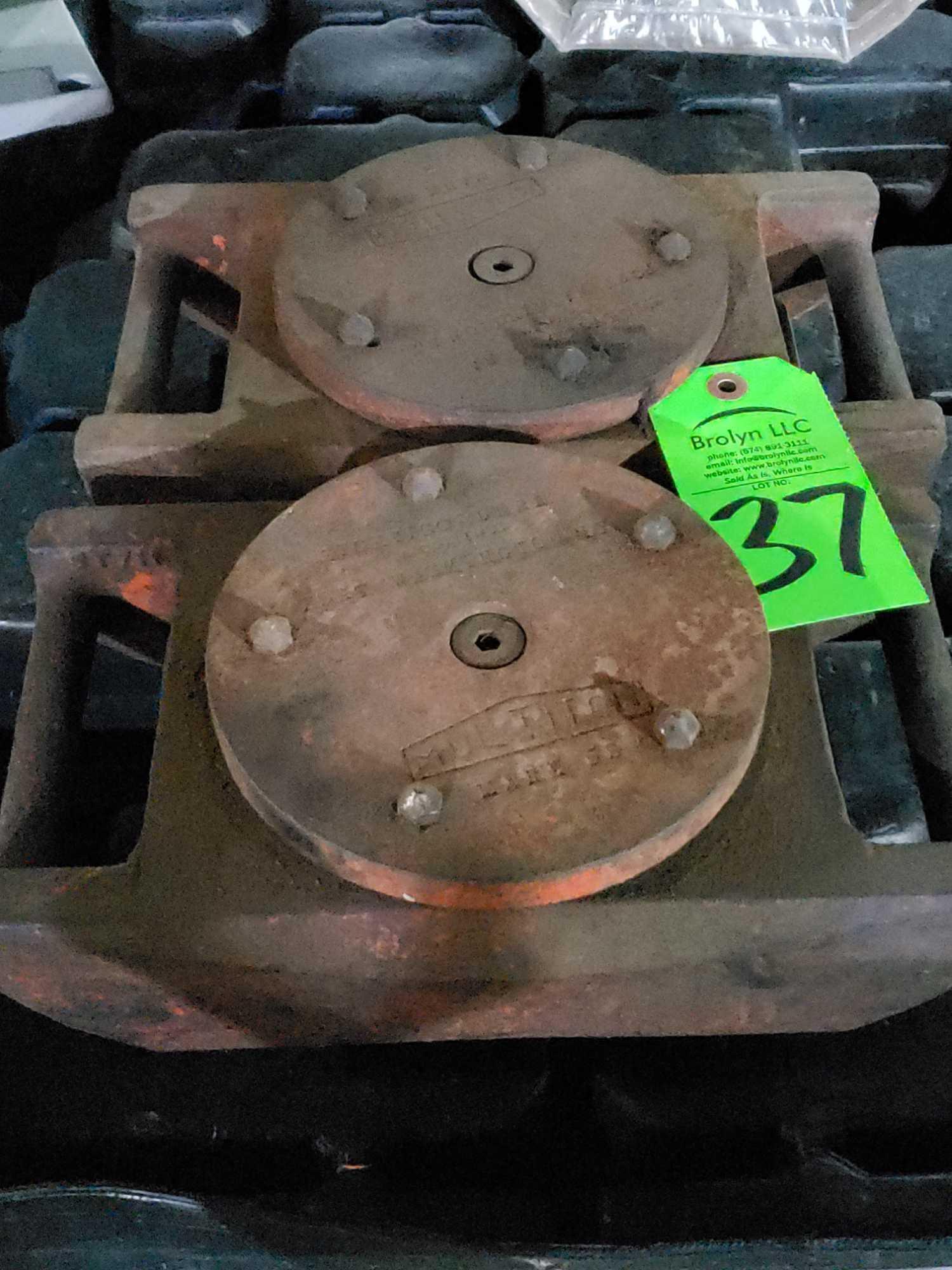 Lot 37 - Qty 2 - MultiTon machine skates