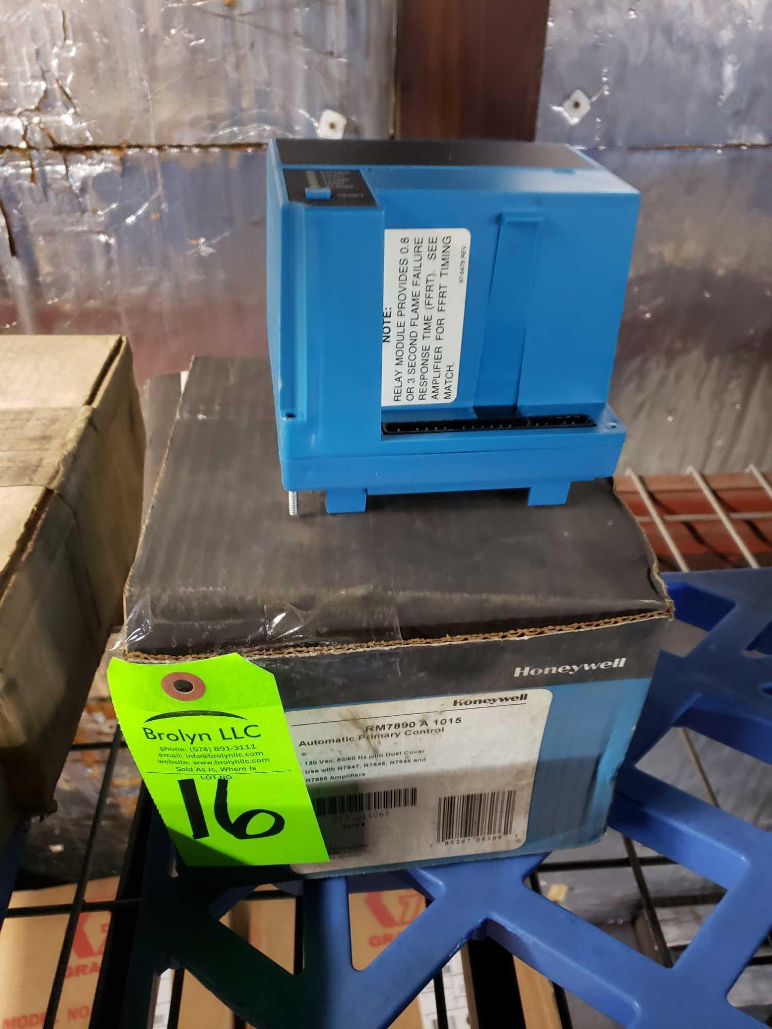 Lot 16 - Honeywell model RM7890A-1015. New in box.
