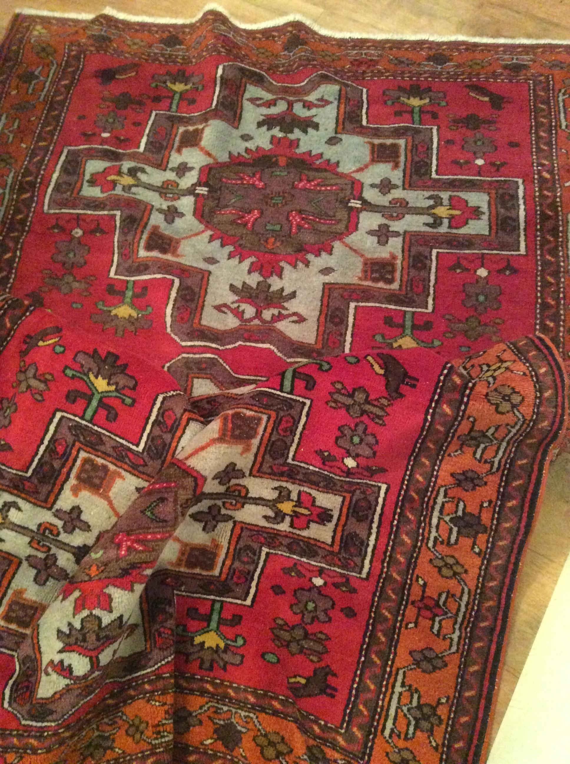 Lot 424 - Good caucasian red ground carpet