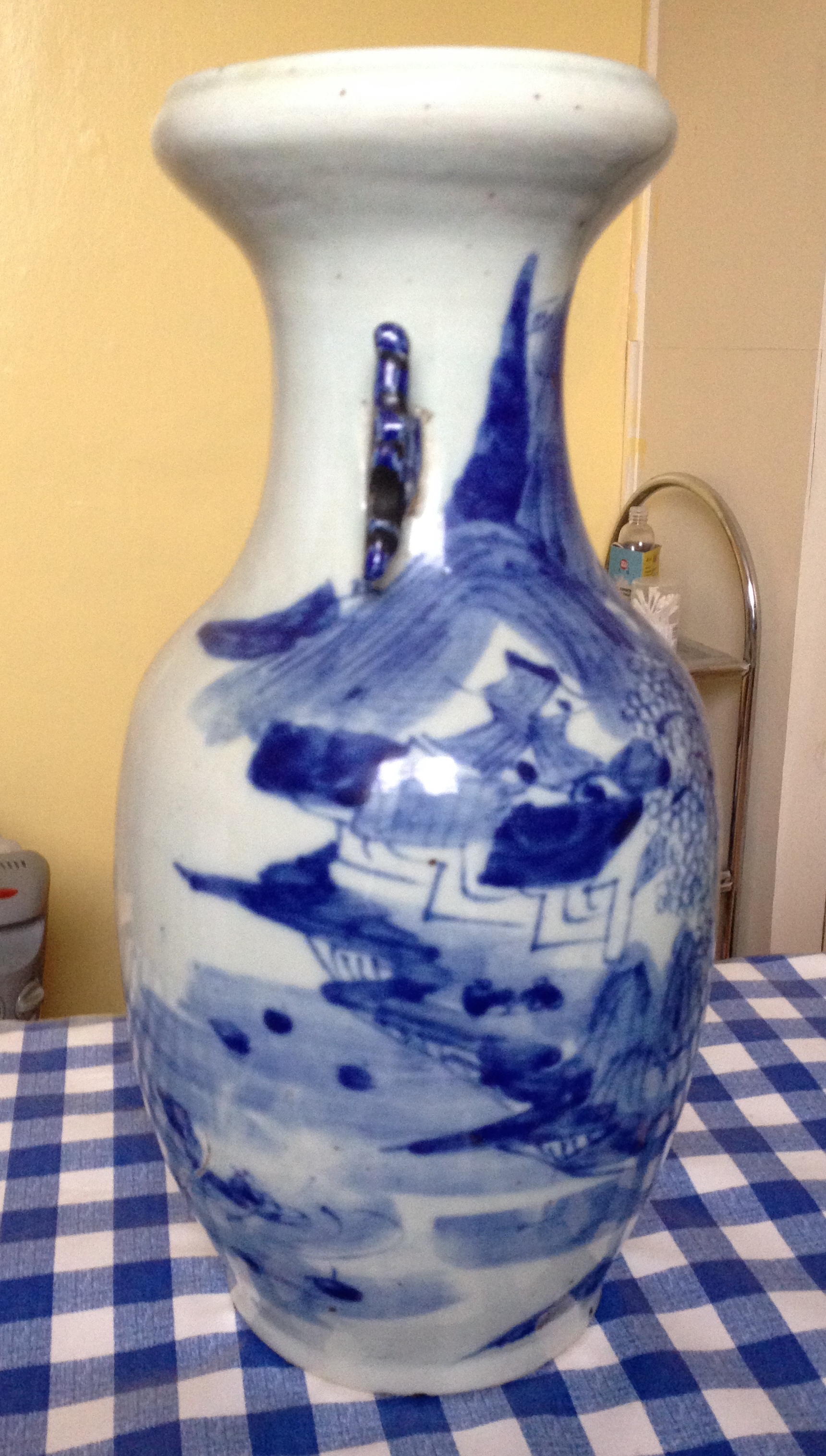 Lot 59 - Chinese blue and white baluster vase with firing cracks