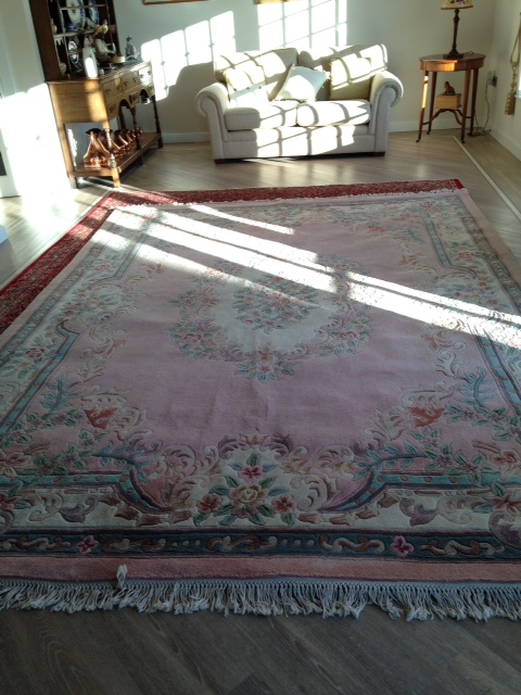 Lot 420 - Large pink ground deep pile sculpted room carpet 3.58 x 2.67