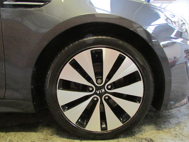 12 12 Kia Optima 2 Luxe CRDI - Image 4 of 23