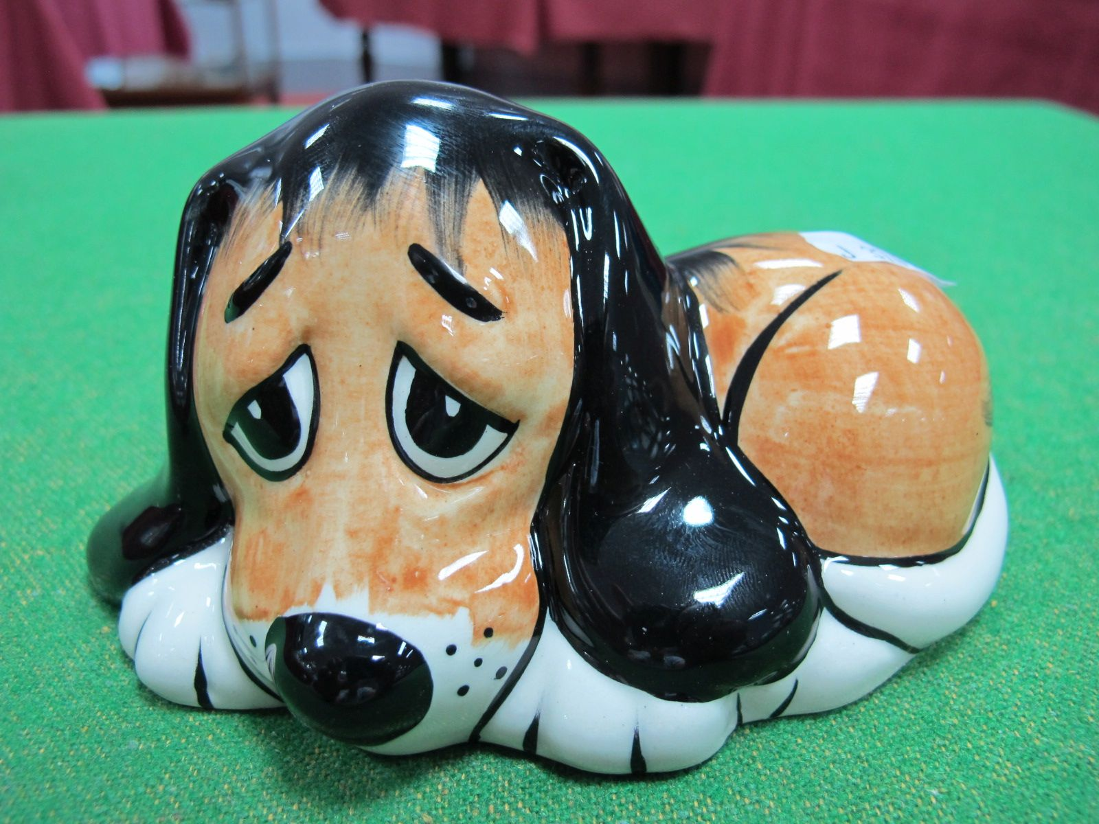 Lot 140 - Lorna Bailey - Dozey the Dog.