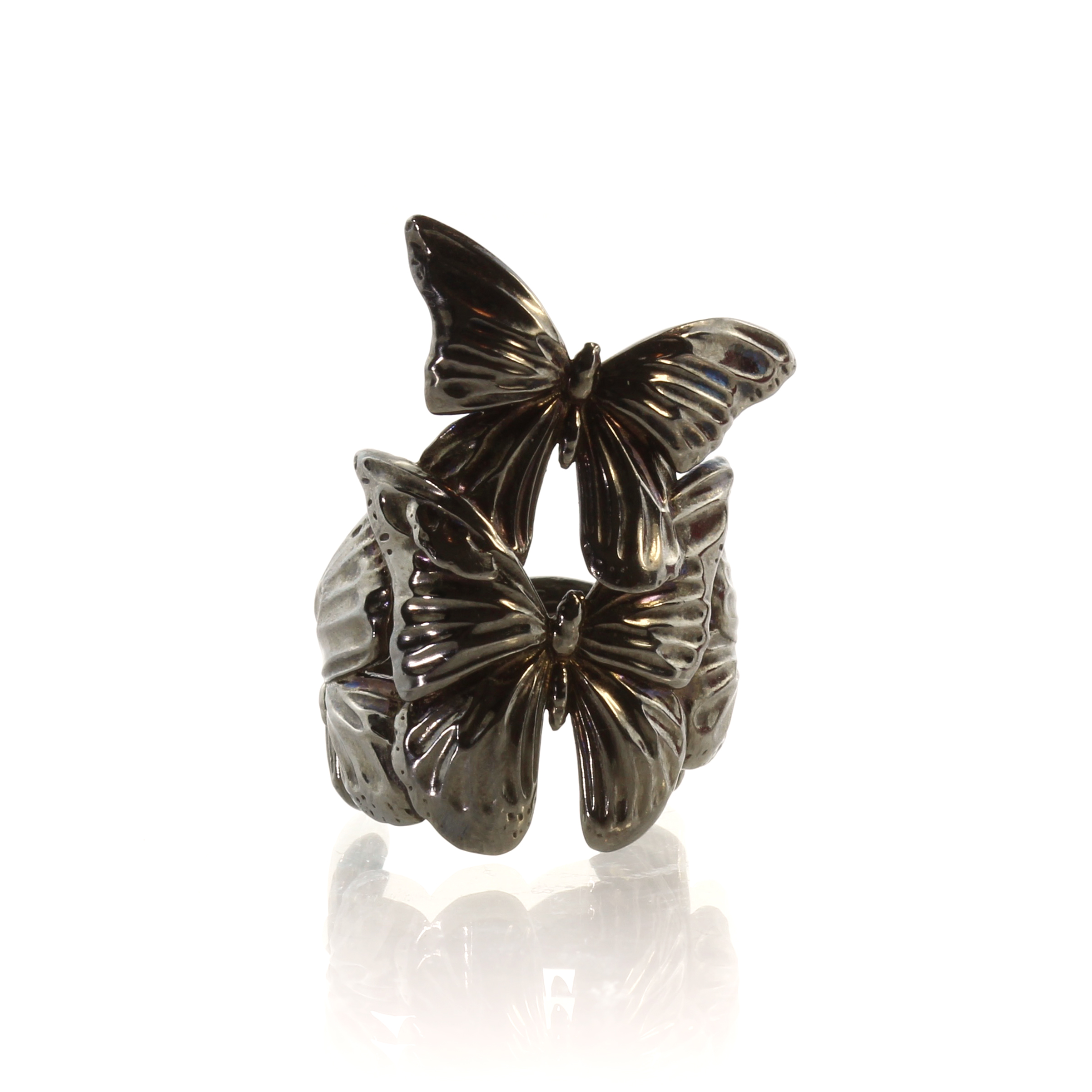 Los 130 - GEORG JENSEN A contemporary 'Askill' butterfly ring in oxidised sterling silver designed by Jordan