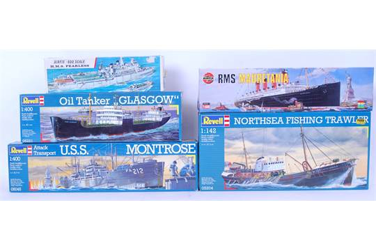 A collection of 5x model ship kits including 3x Revell USS Montrose