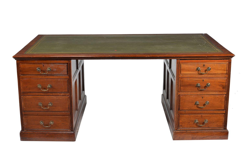 Lot 113 - An Edwardian mahogany partners pedestal desk