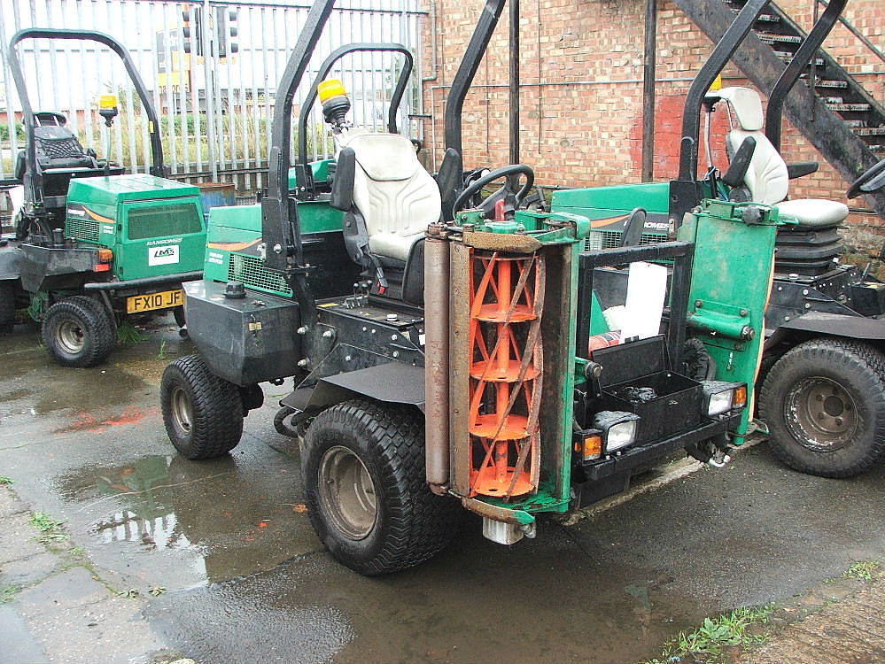 Lot 764 - RANSOMES PARKWAY 2250 RIDE ON CYLINDER MOWER 09 PLATE 4930 HRS