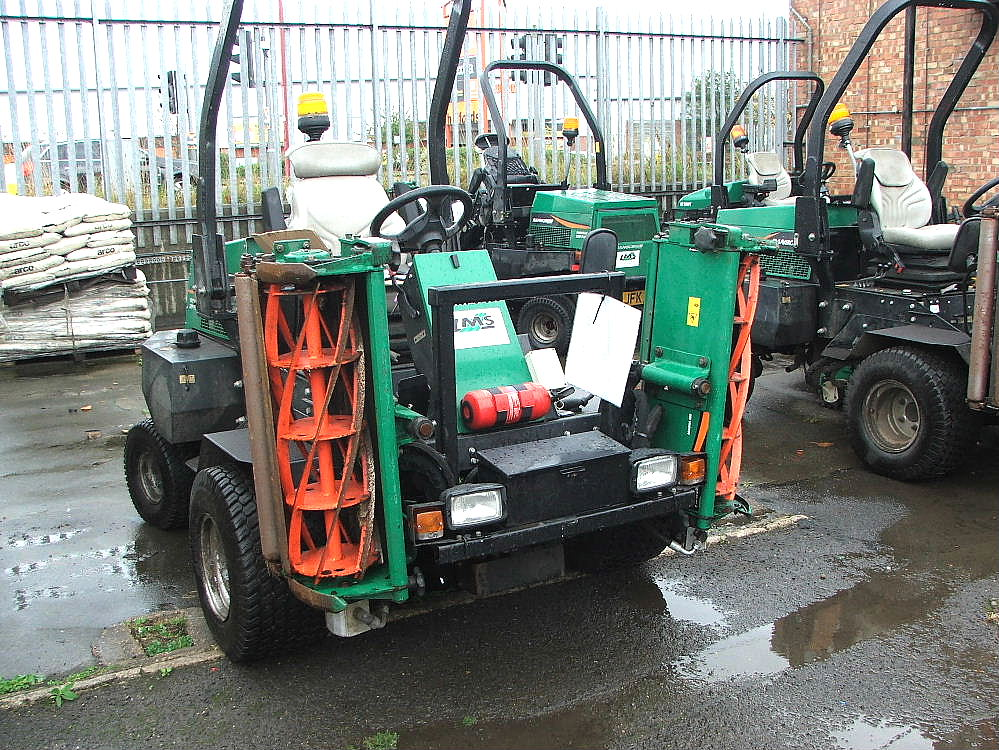 Lot 763 - RANSOMES PARKWAY 2250 RIDE ON CYLINDER MOWER 09 PLATE 3789 HRS