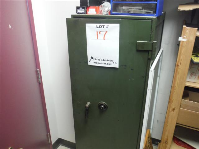 Lot 17 - YALE MOBILE COMBINATION SAFE