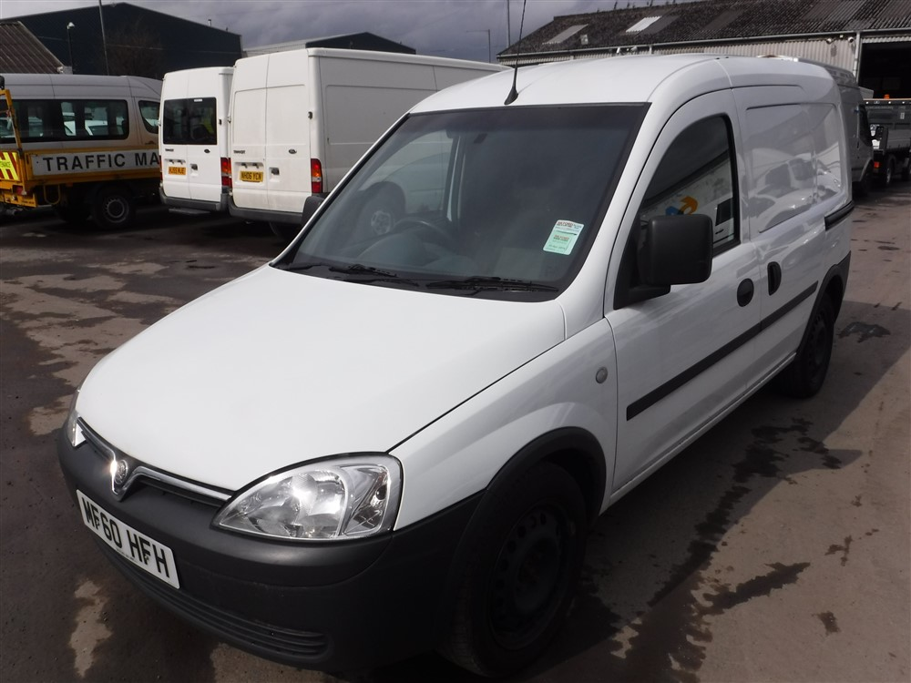 60 reg vauxhall combo 2000 cdti 1st reg 10 10 test 07 16. Black Bedroom Furniture Sets. Home Design Ideas