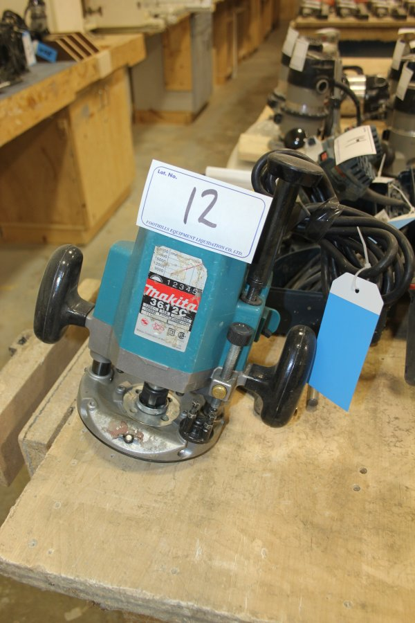 Lot 12 - MAKITA ROUTER