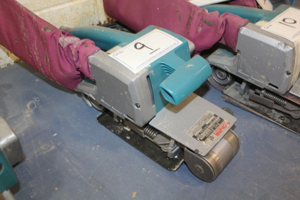 Lot 9 - MAKITA BELT SANDER