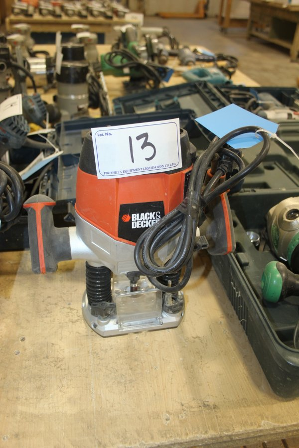 Lot 13 - UNUSED BLACK & DECKER ROUTER