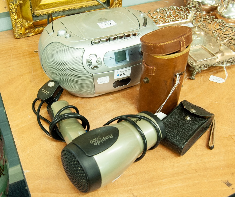 Lot 439 - PROLINE PORTABLE RADIO AND CD PLAYER AND A BABYLISS HAIR DRYER, WRAY 12 x 40 MAG MONOCULAR, IN