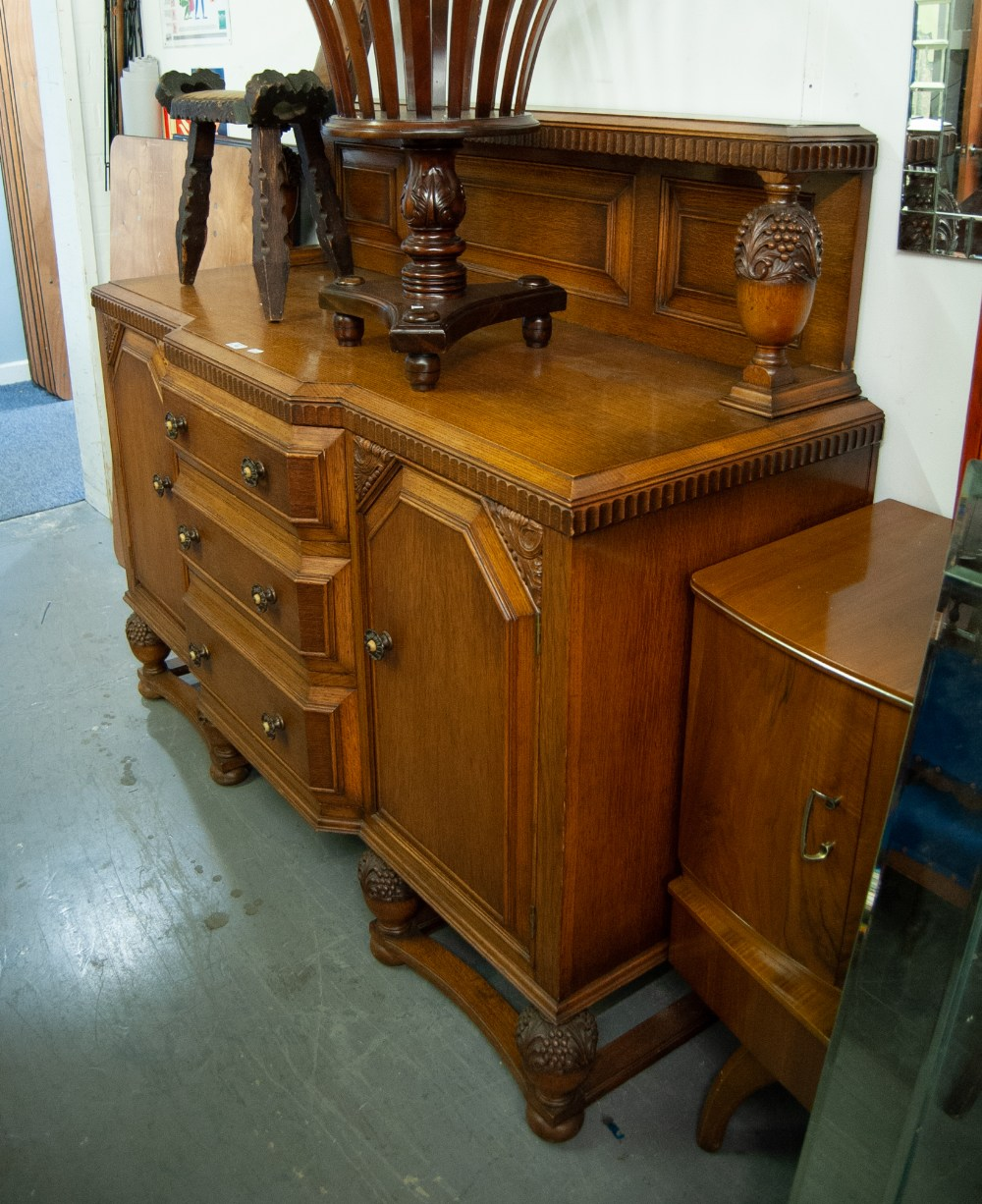 Lot 49 - 1930s OAK DINING ROOM SUITE COMPRISING A DROP-LEAF TABLE; FOUR CHAIRS WITH LEATHER PAD BACK AND