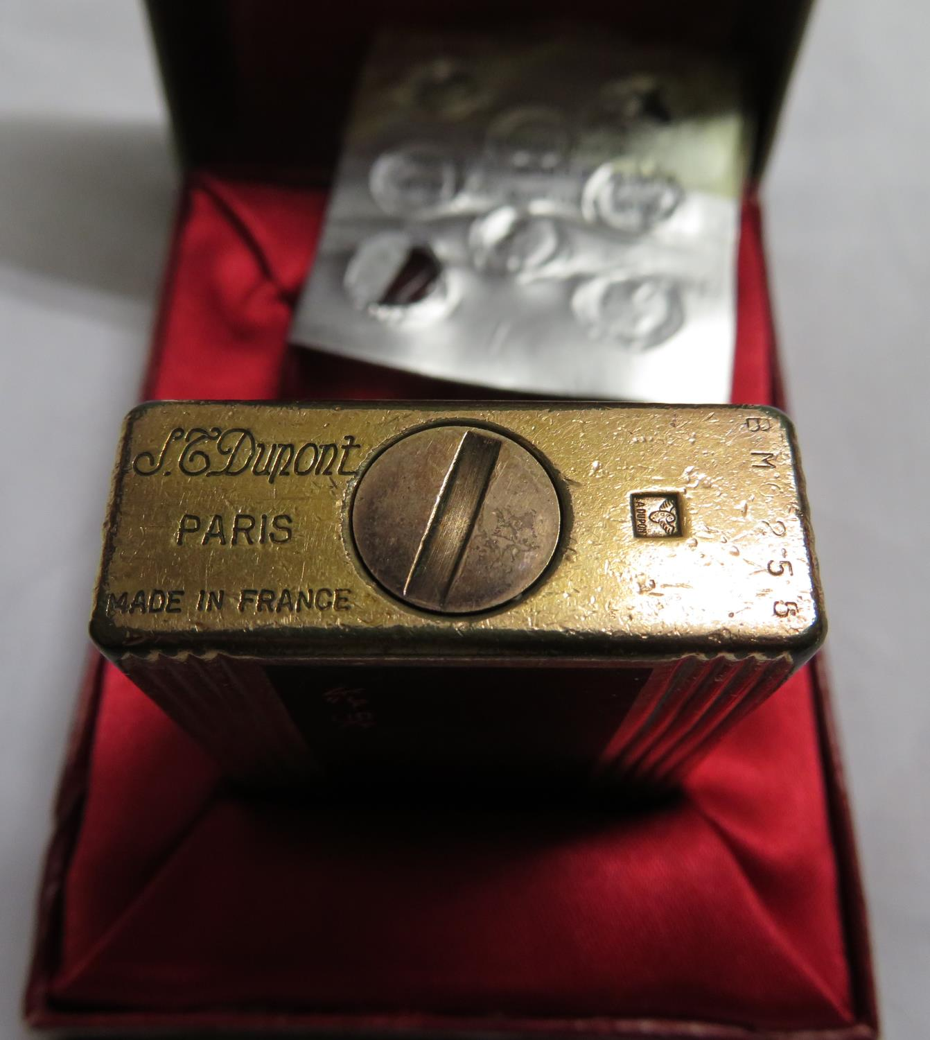 Lot 14 - St Dupont Paris lighter in box